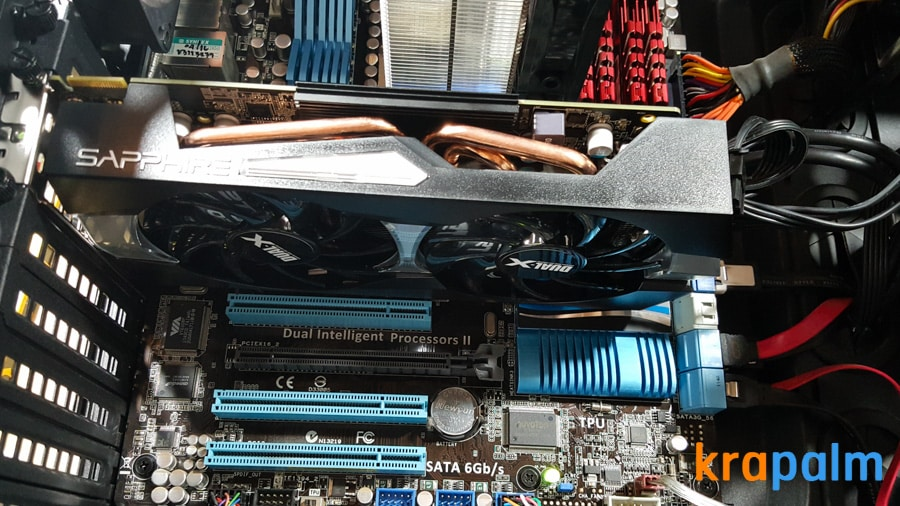 รูป SapphireR9 270x 161 ประกอบเนื้อหา รีวิวการ์ดจอ Sapphire R9 270X Dual-X : Radeon R9 270X series ในราคาเบาๆ