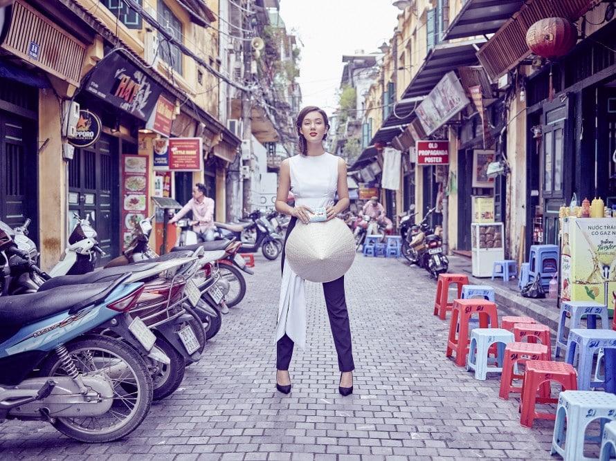 """รูป Vietnam KV Incredible Catwalk 890x6671 ประกอบเนื้อหา [PR] เอซุสเชิญร่วมสนุกกับแคมเปญ """"ZenLooks"""""""