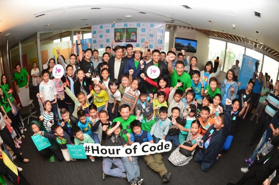 รูป Hour of Code 5 890x591 1 ประกอบเนื้อหา [PR] ไมโครซอฟท์ ดึงเกมดัง Minecraft หนุนเด็กไทย