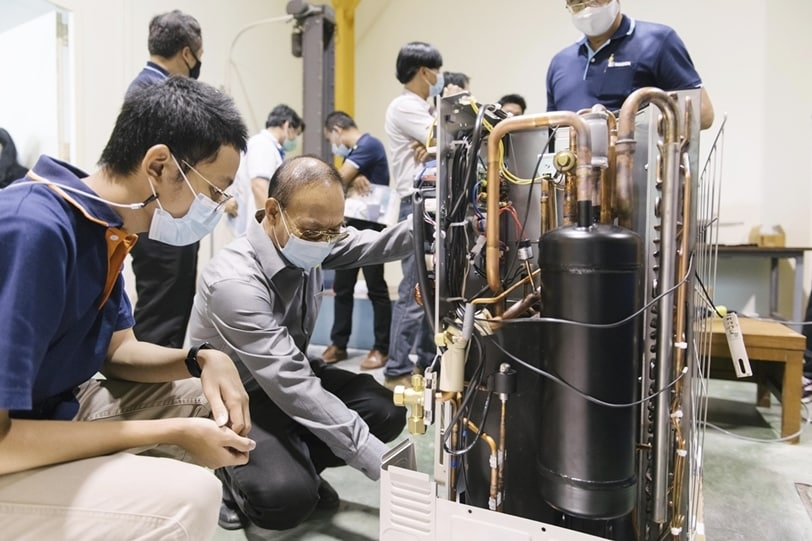 รูป 2 ประกอบเนื้อหา กฟผ. สฟอ. และ GIZ ผนึกกำลังปรับปรุงห้องทดสอบเพื่อรองรับเครื่องปรับอากาศที่ใช้สารทำความเย็นธรรมชาติ เน้นประหยัดไฟ ลดโลกร้อน