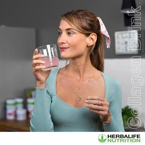 รูป Collagen Drink Launch SM tile Girl 1 ประกอบเนื้อหา อาหารสำหรับการบำรุงผิวและผมของคุณ: ทำความเข้าใจเกี่ยวกับโภชนาการภายนอก