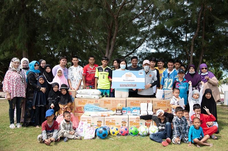 """รูป csrserdaislamchon800 ประกอบเนื้อหา """"ซือดะ"""" ยกทีมบุกชลบุรี จัดกิจกรรมปันรัก ปันน้ำใจ บ้านเด็กกำพร้า อิสลามมัสยิด อัลมุมิน"""